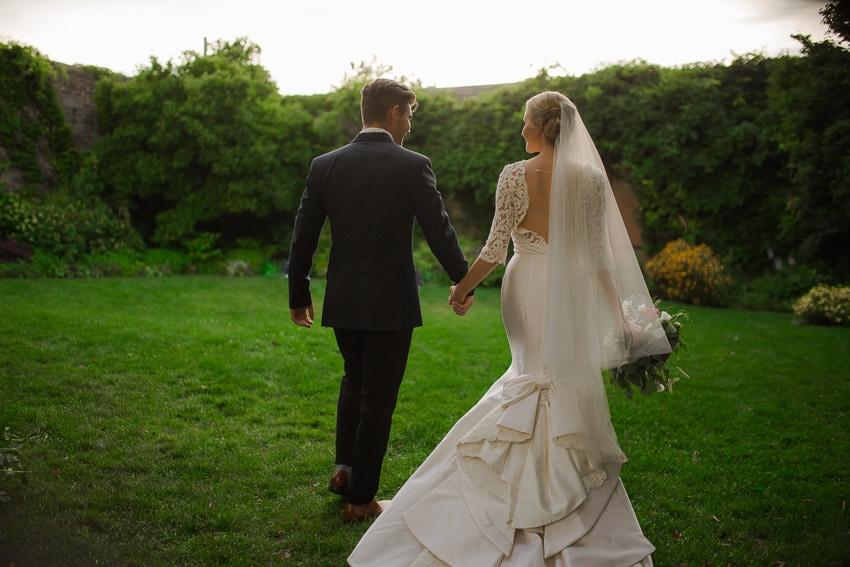 Outdoor weddings in Milton Ontario