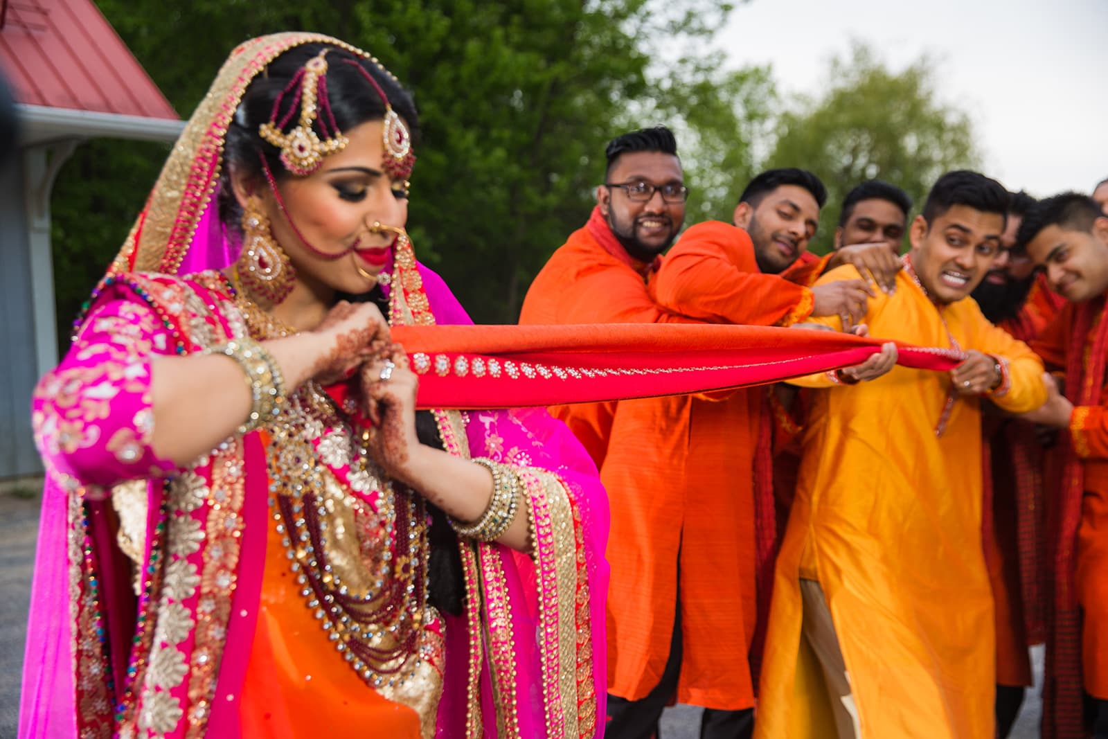 This bangla couple kept tradition alive in their haldi and sangeet ceremonies 36
