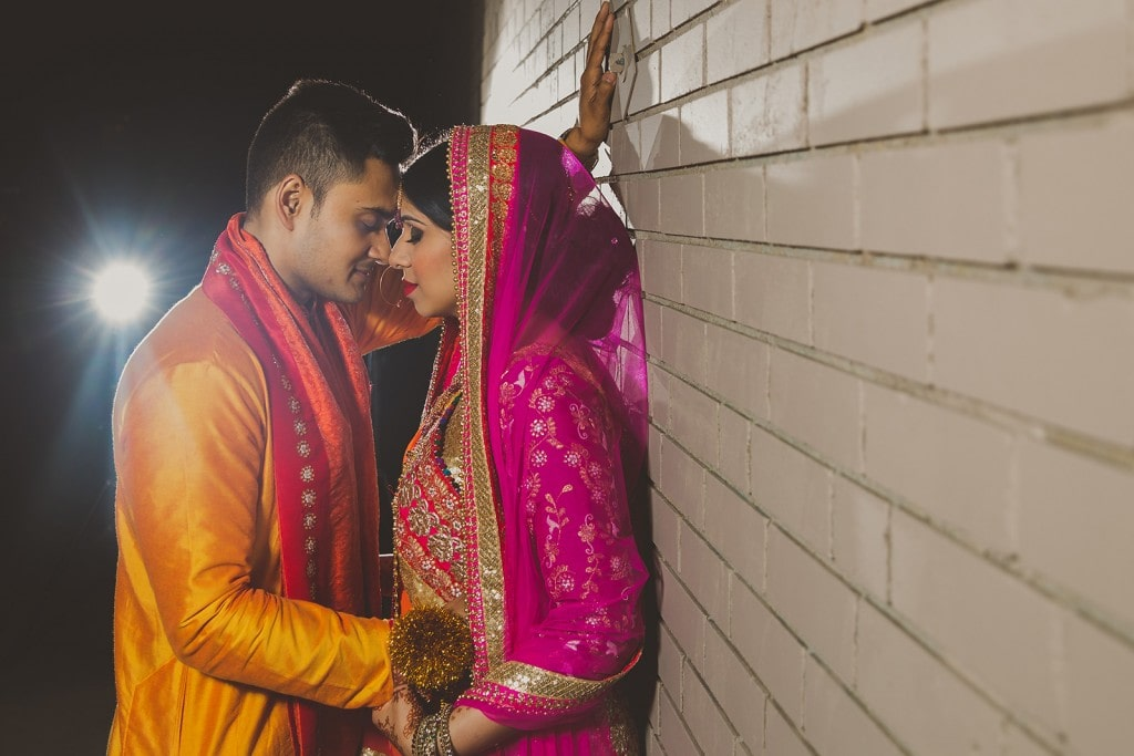 This Bangla couple kept tradition alive in their haldi and sangeet ceremonies. (4)