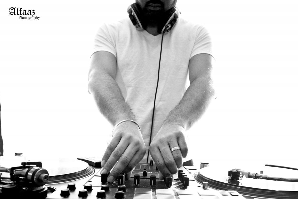 DJ Kuldeep MixSingh playing a set