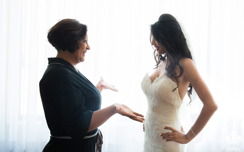Bride with her mom