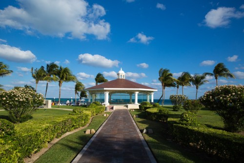 Destination Weddings | Cancun Moon Palace Resort