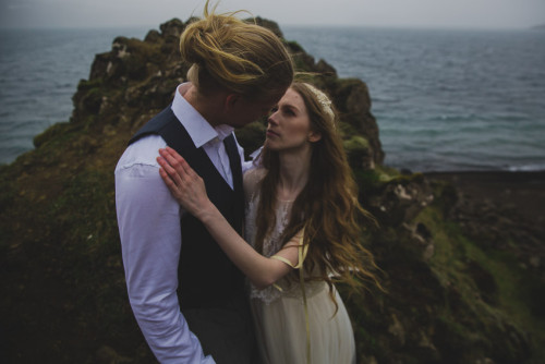 Destination wedding | Fly your photographer or hire a local one?