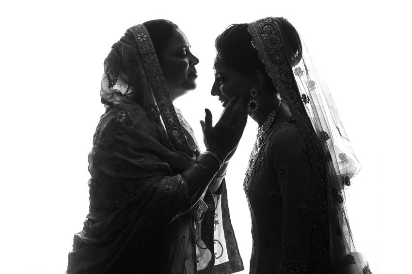 Weddings-sikh-mom-daughter