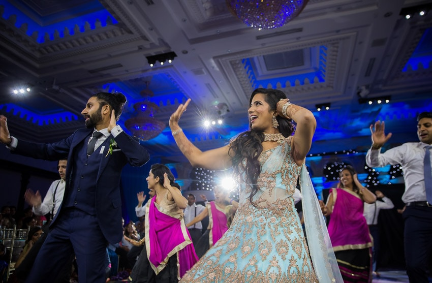 Couple-reception-Indian-dance