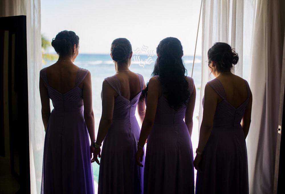 getting-ready-Oasis Tulum Canadian Wedding