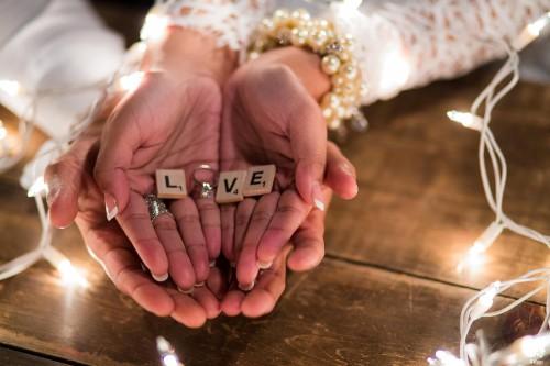 Romantic Cottage Engagement | Engagement Shoots