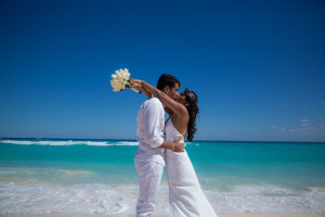 Canadian brides getting married in Mexico