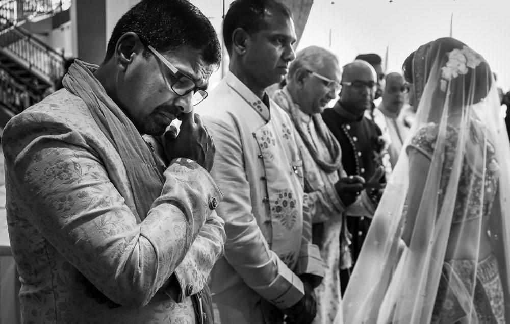 Gujrati-Indian-Wedding-Photographers Vidaai